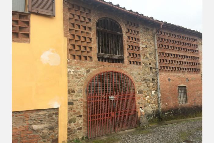 VILLA A SCHIERA in VENDITA a CAPANNORI - PIEVE SAN PAOLO