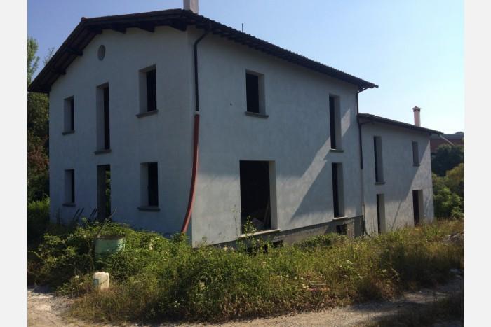 BIFAMILIARE in VENDITA a CAPANNORI - LAPPATO