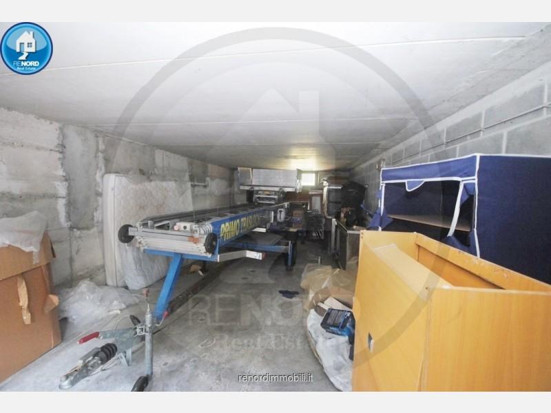 BOX AUTO in VENDITA a CURA CARPIGNANO