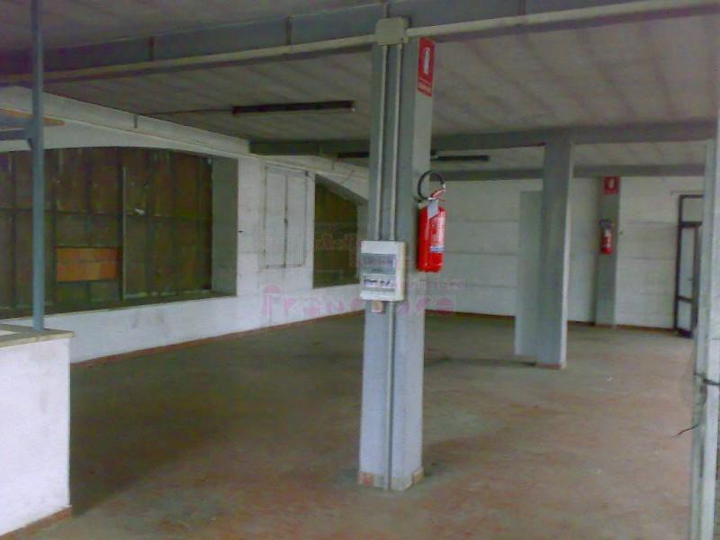 FONDO ARTIGIANALE in AFFITTO a CALENZANO - CENTRO