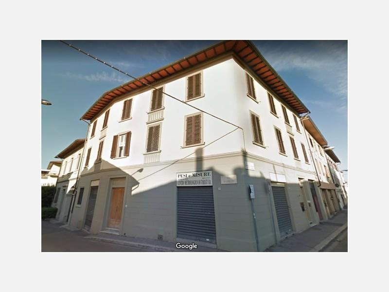 MAGAZZINO in AFFITTO a FIRENZE - CASTELLO / SODO / SESTESE