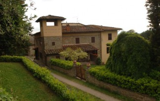 Sale  Farmhouse in  Reggello