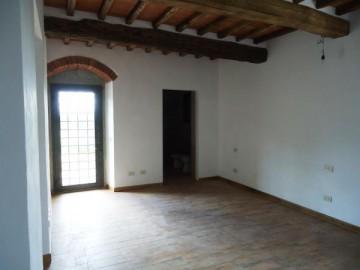 cerca Borgo San Lorenzo  COLONICA VENDITA