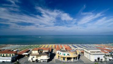 cerca  LOCALE COMMERCIALE VENDITA Viareggio - Centro Mare
