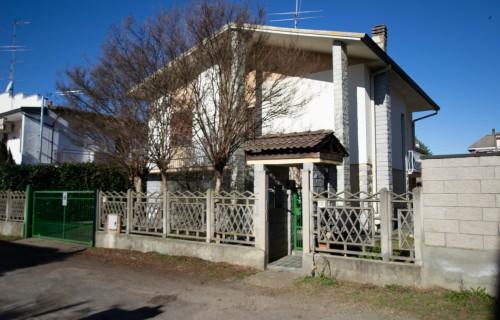 CABE HOUSE SRL