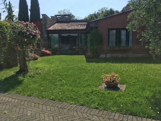 Villa A Schiera  Vendita Soiano Del Lago