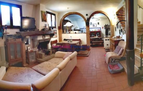 COLONICA VENDITA Bagno A Ripoli  - Vallina