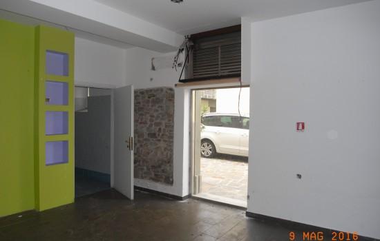 FONDO COMMERCIALE VENDITA Pontassieve  - Centro