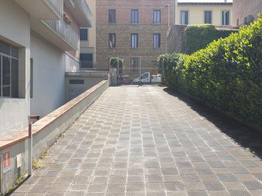 Vendita  Posto Auto in  Firenze  Campo di Marte
