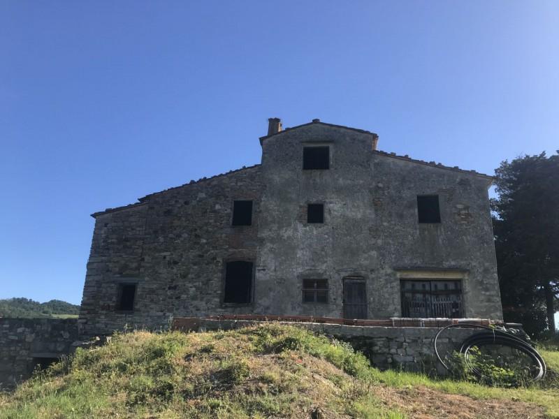 Vendita  Casale in  Fiesole  Caldine