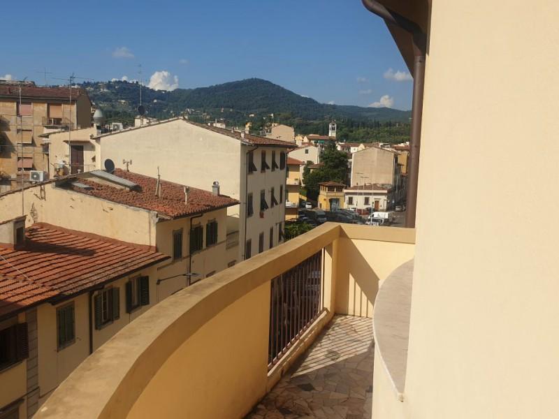 Vendita  Appartamento in  Firenze  Sette Santi