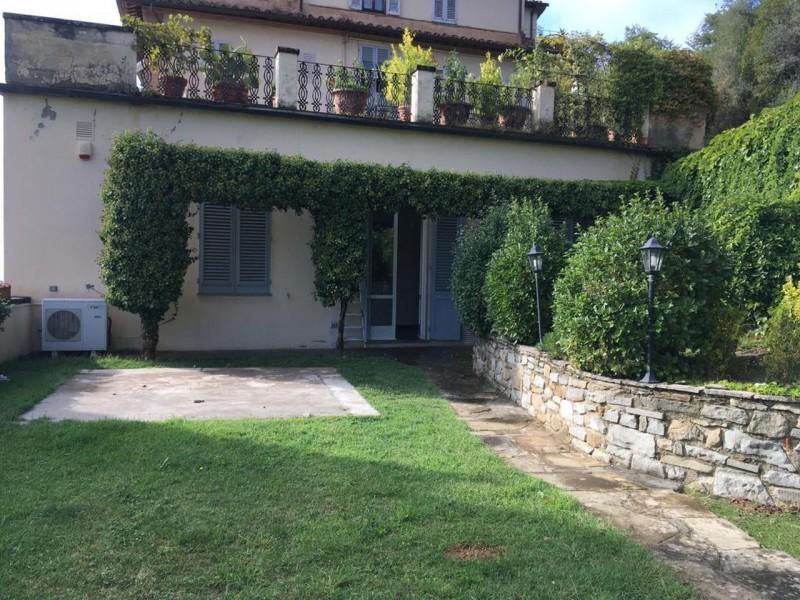 Affitto  Appartamento in  Fiesole  San Domenico
