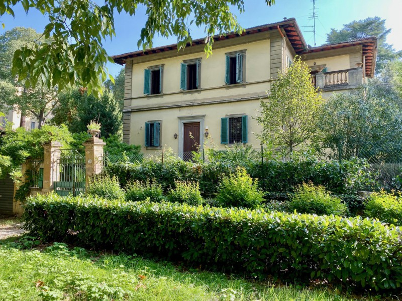 Sale  Villa in  Firenze  Michelangiolo
