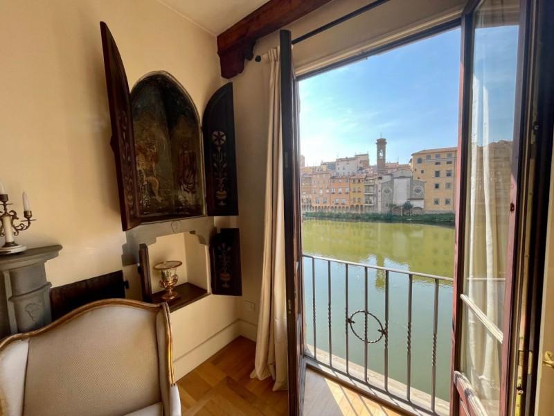 Vendita  Appartamento in  Firenze  Lungarno