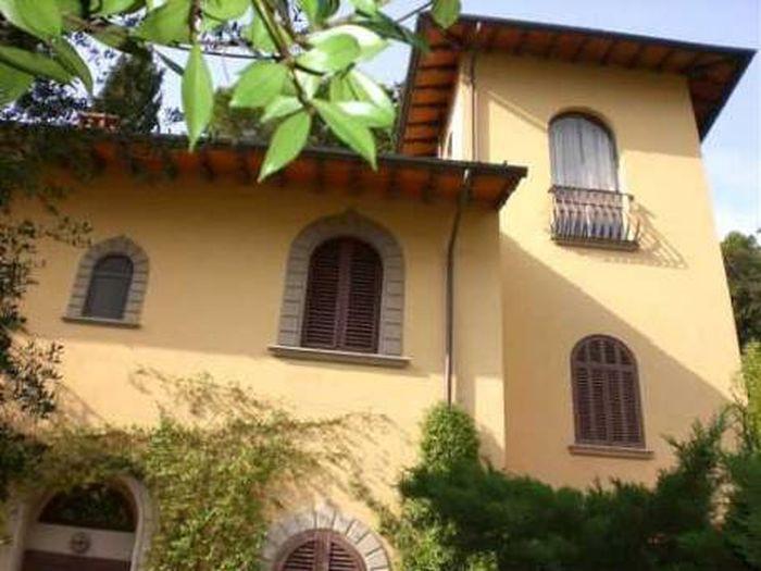 Vendita  Villa in  Firenze  San Domenico