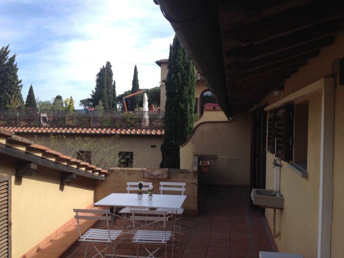 Affitto  Appartamento in  Firenze  San Domenico