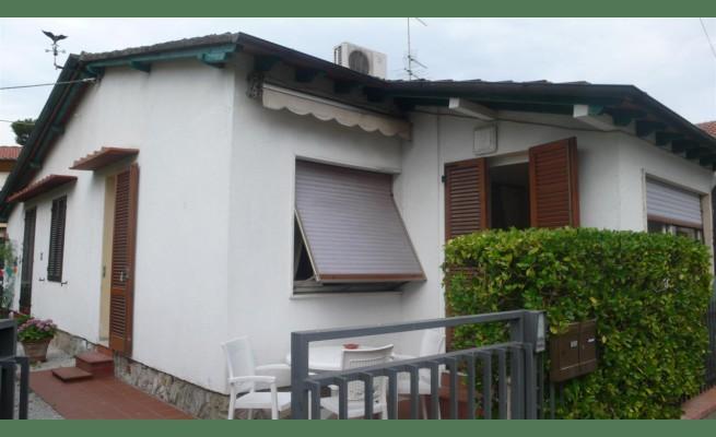 CASA SEMI INDIPENDENTE in VENDITA a PIETRASANTA - MARINA DI PIETRASANTA