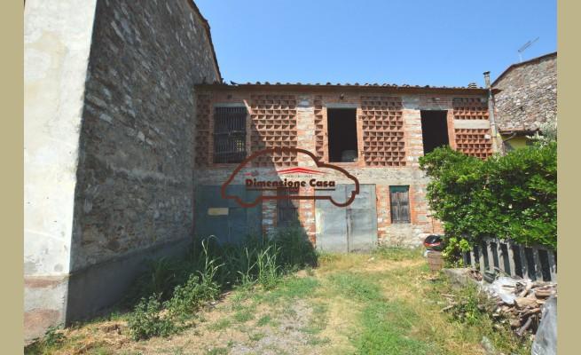 CASCINA in VENDITA a CAPANNORI - LAMMARI