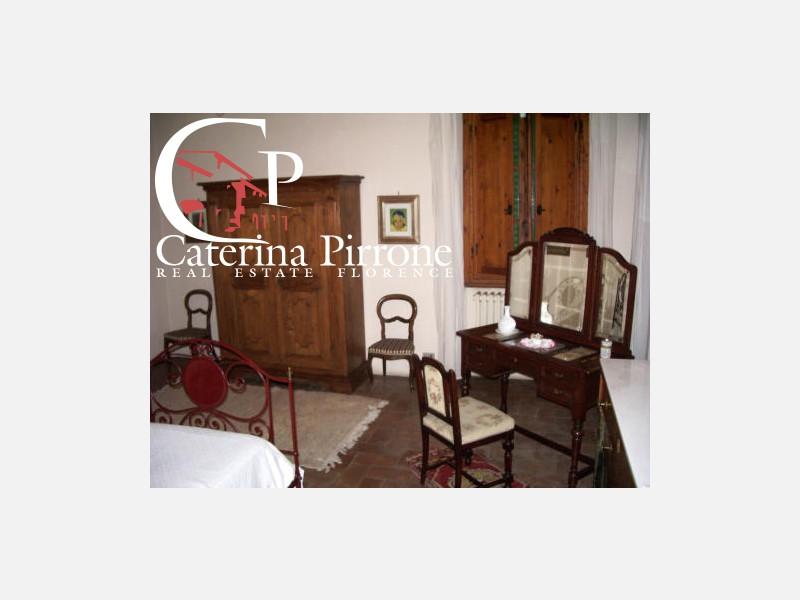 Fucecchio vendesi villa del 1700