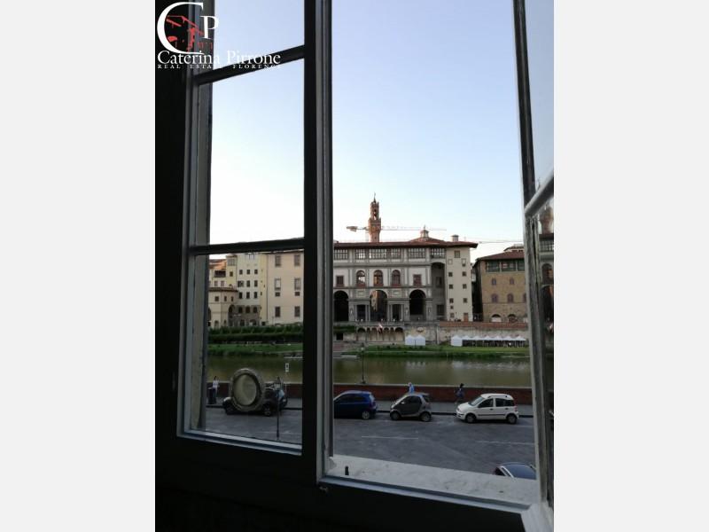 PONTE VECCHIO AFFITTO APPARTAMENTO GIARDINO E POSTO AUTO