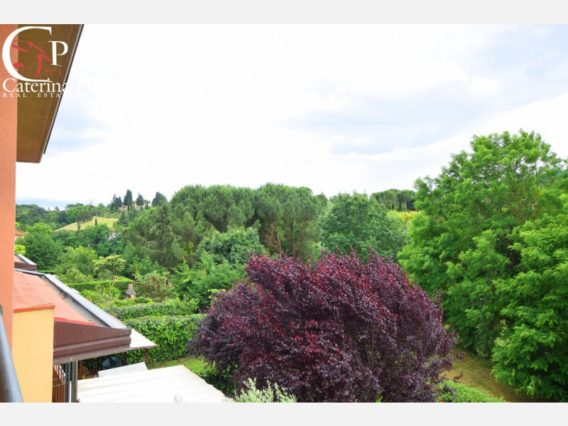 Cellai vendesi terratetto con giardino e garage