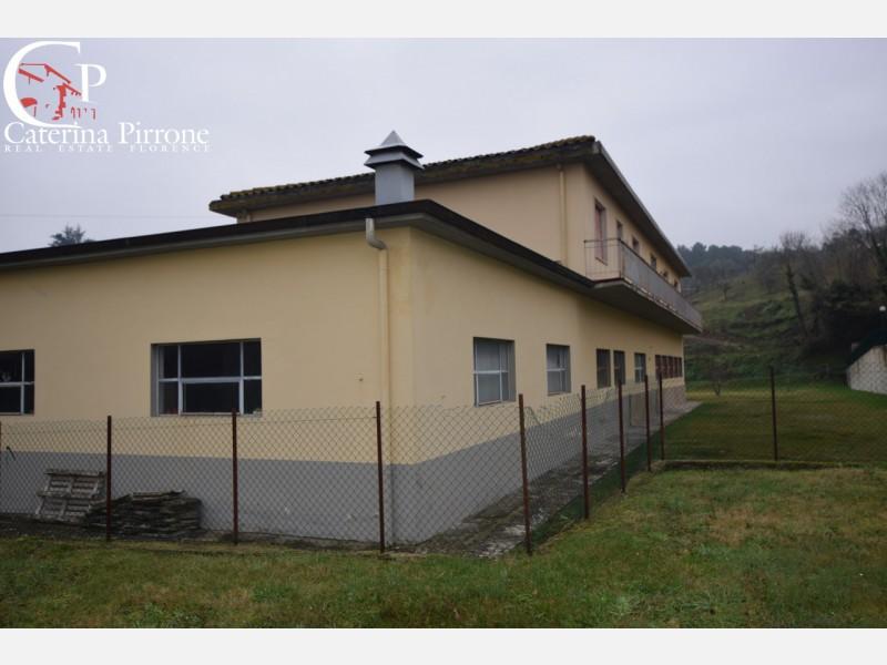 Pelago, Diacceto vendesi porzione di villa moderna