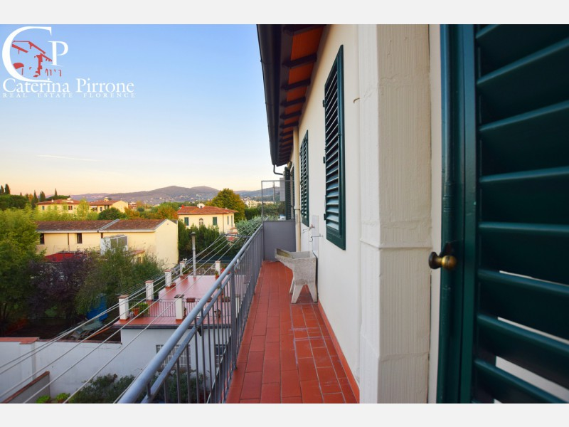 Firenze sud vendesi bilocale con balcone