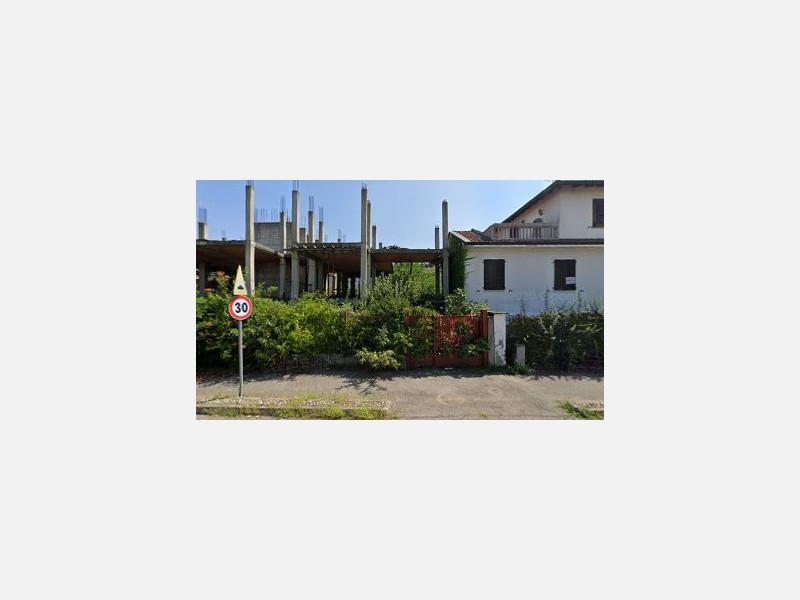AREA EDIFICABILE in VENDITA a BAREGGIO