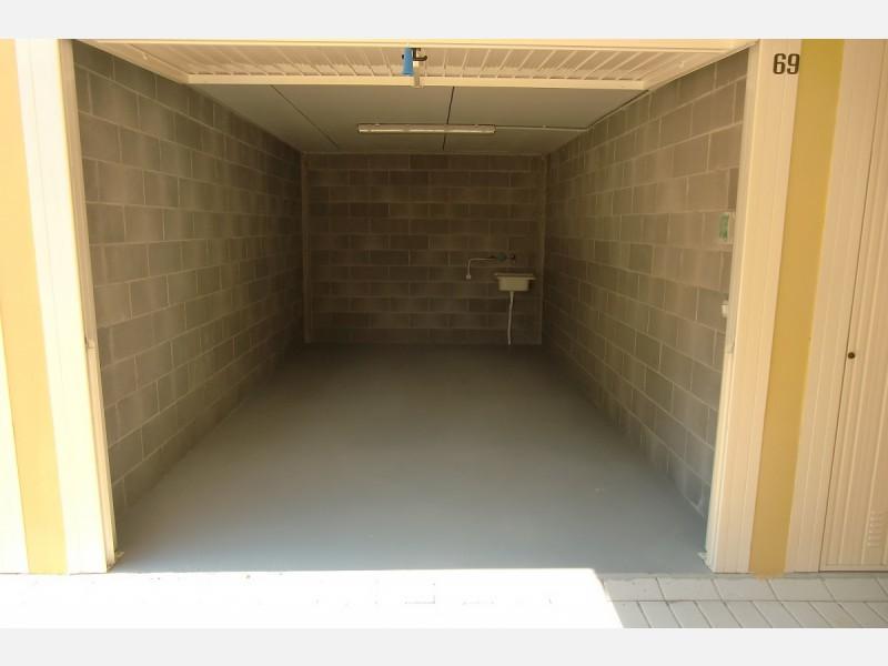 GARAGE in AFFITTO a LIVORNO - PERIFERIA SUD