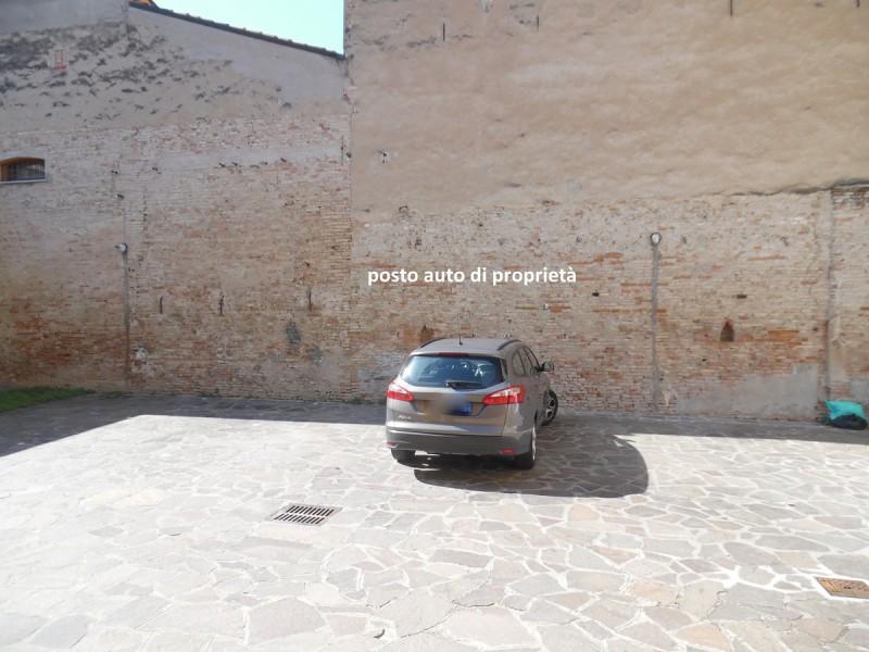 posto auto di proprieta'