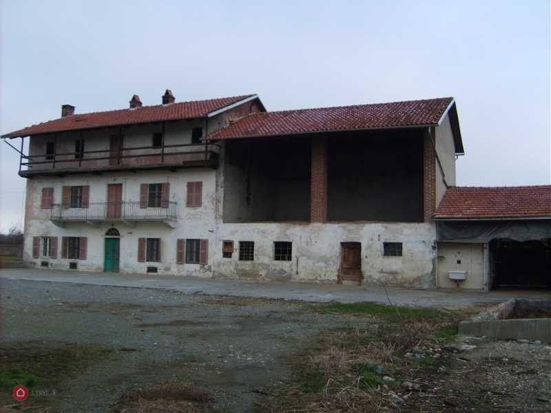 CASA INDIPENDENTE in VENDITA a ALICE CASTELLO