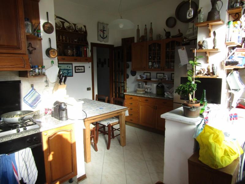 APPARTAMENTO in VENDITA a VIAREGGIO - CENTRO PINETA
