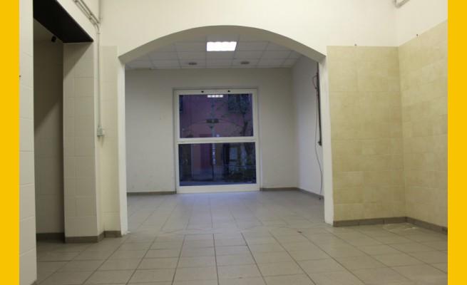 LOCALE COMMERCIALE in AFFITTO a CARRARA - AVENZA